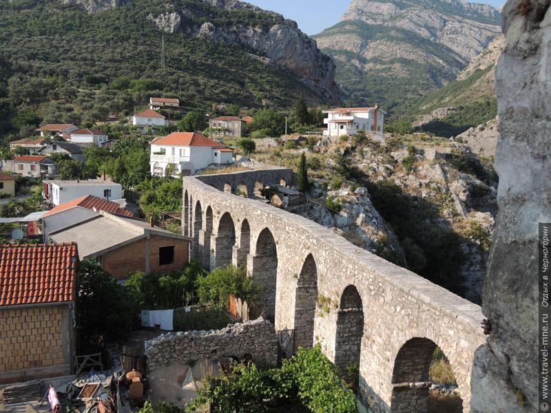 Построенный турками акведук для снабжения Старого Бара водой