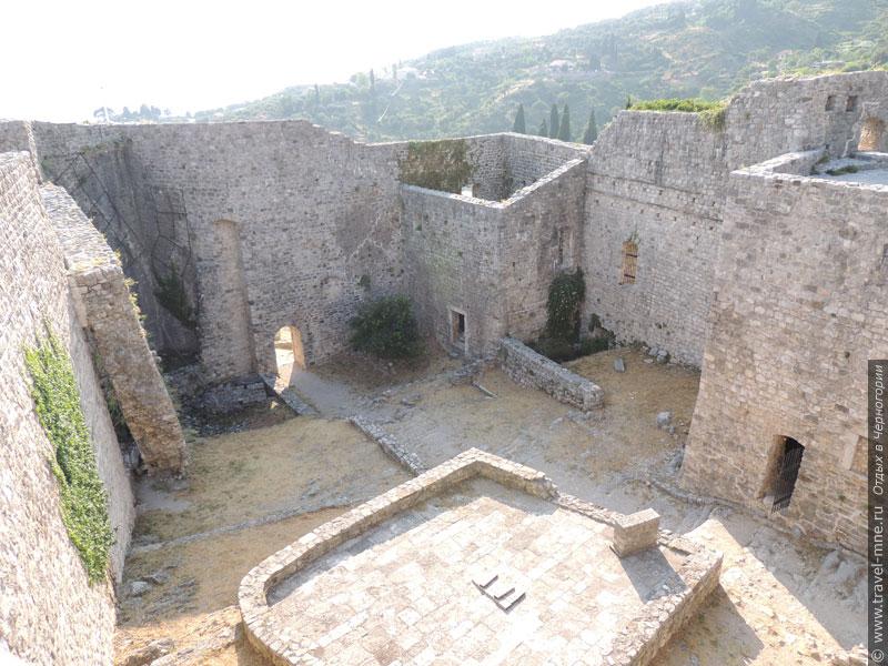 Цитадель Старого Бара - здесь укрывалось население города во время неприятельских атак