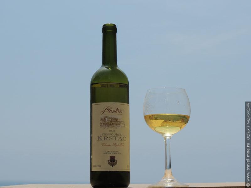 """Белое вино """"Крстач"""" производится из винограда, который растет только в Черногории"""