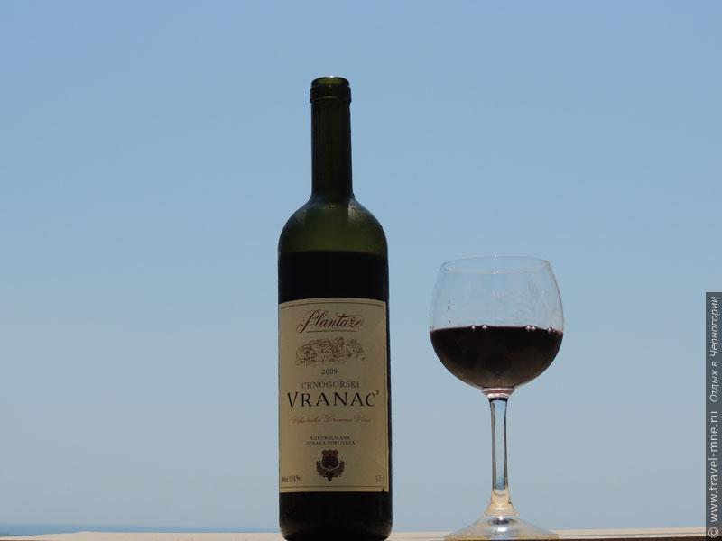 """Черногорское вино """"Вранац"""" имеет насыщенный """"вороной"""", почти черный цвет"""