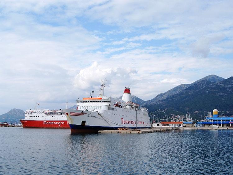 В Италию из Бара ходят комфортабельные морские паромы Sveti Stefan и Sveti Stefan II