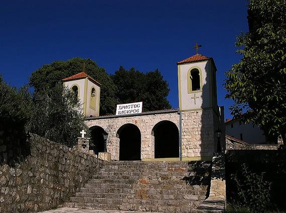 Над землей расположена только часть монастырской церкви Успения Пресвятой Богородицы