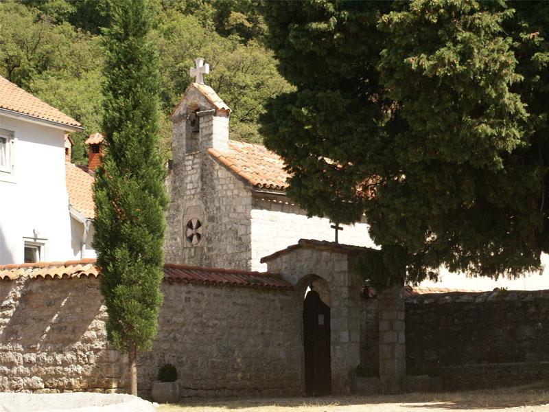 Церковь Святого Стефана Первомученика — главный храм монастыря Дульево