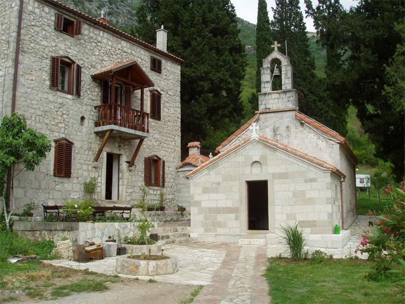 Главная церковь монастыря Дуга Морачка посвящена Успению Пресвятой Богородицы