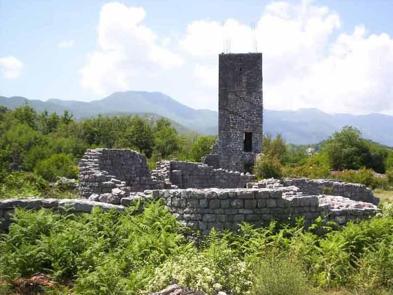 Монастырь Пречиста Крайнска в настоящее время пребывает в руинах