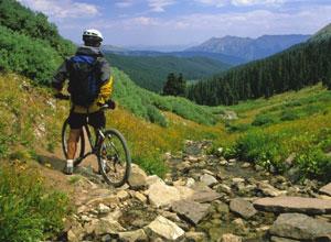 Горный велосипед в Черногории
