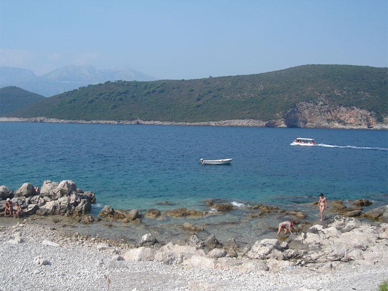 Пляж на острове Мамула / Mamula plaža
