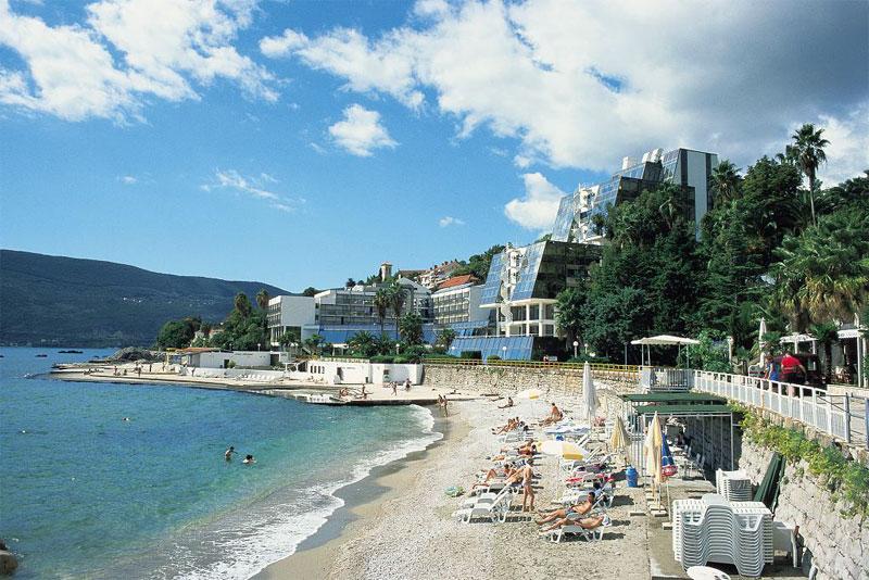 Пляж отеля Plaža
