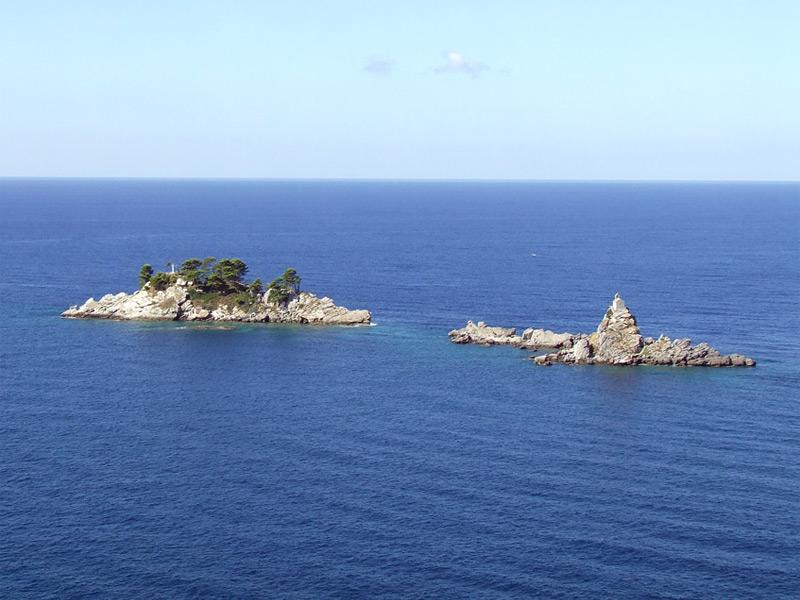 Небольшие острова Большой и Малый Катиц в основном привлекают к себе любителей дайвинга