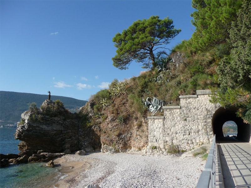 Пляж У туннеля / Kod Tunela plaža