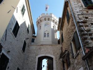 Башня Сахат-Кула в Херцег-Нови