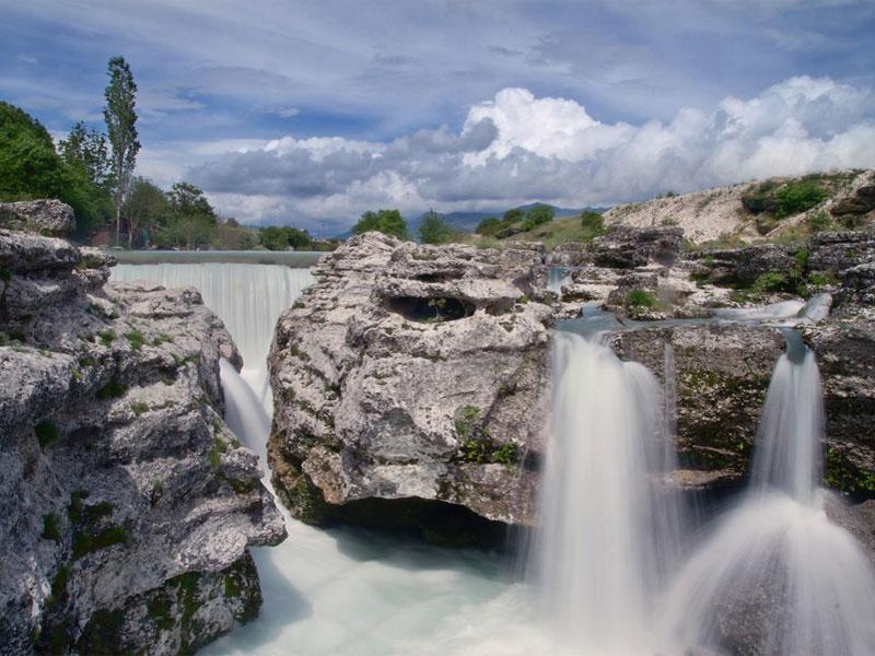 Река Циевна известна также за счет находящегося на ней водопада Ниагара