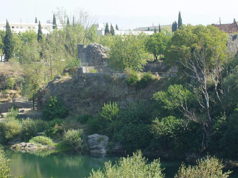 От турецкой крепости Депедоген ныне остались одни руины