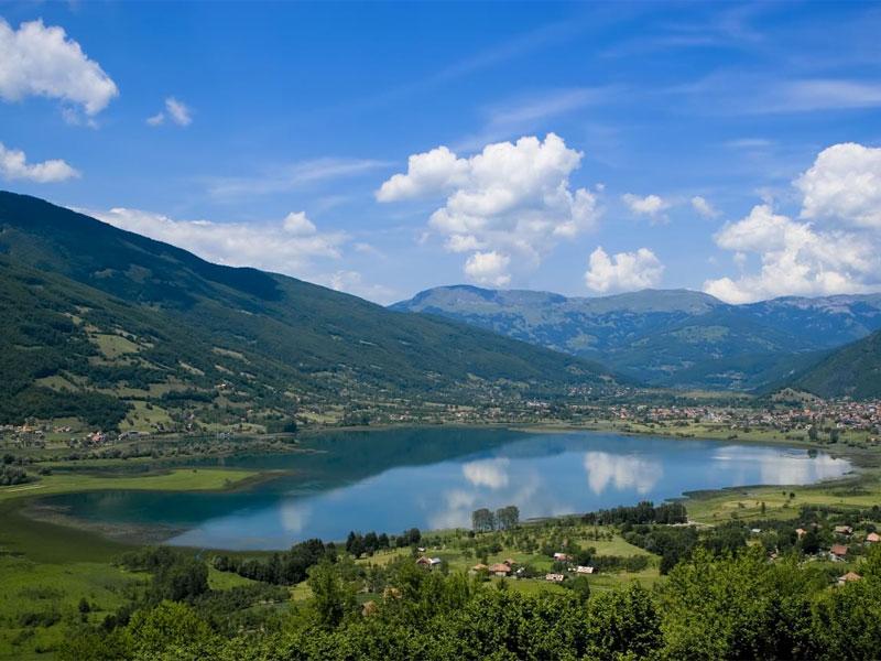 Плавское озеро - главная туристическая достопримечательность муниципалитета