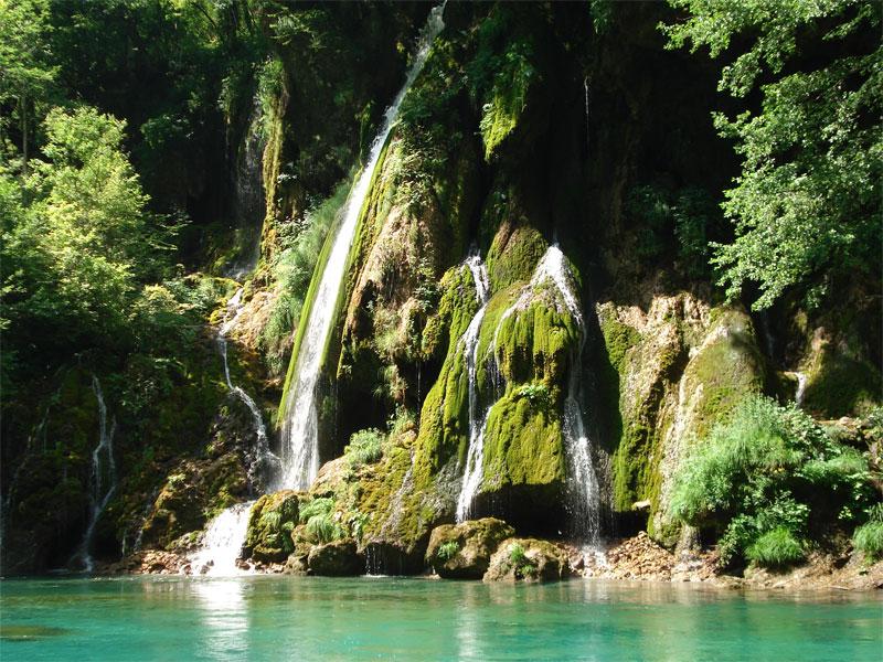 Водопад Байловича Сиге - настоящая жемчужина каньона реки Тара