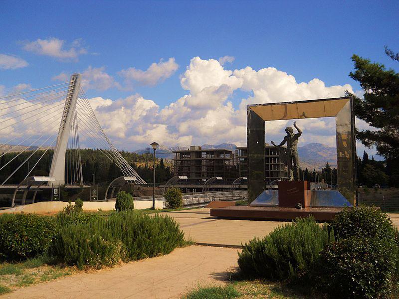 Памятник Высоцкому в Черногории - единственный монумент поэта за пределами бывшего СССР
