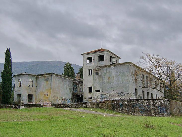 В свои лучшие годы резиденция семьи Бизанти была красивым и масштабным сооружением