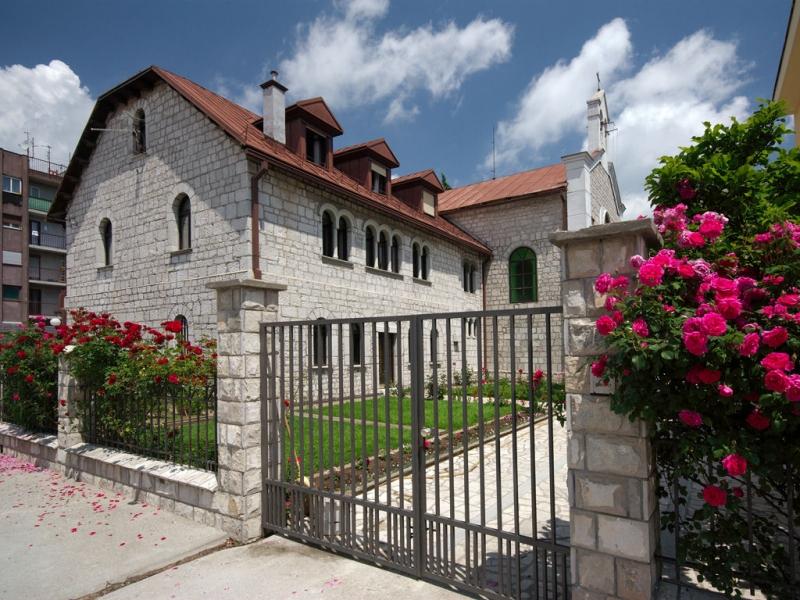 Церковь Святого Антония Падуанского - единственный католический храм в Цетине
