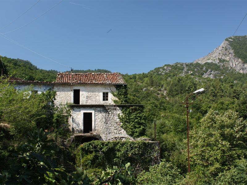 Село Годинье до сих пор напоминает средневековую черногорскую деревню