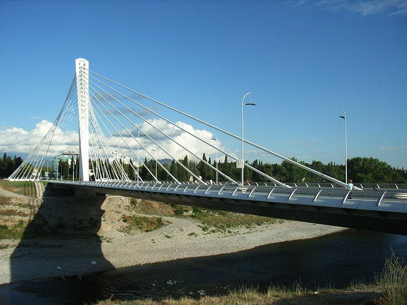 Мост Тысячелетия один из самых красивых в Подгорице