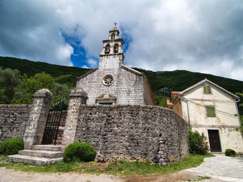Церковь Святой Марии - центральный храм каменного селения