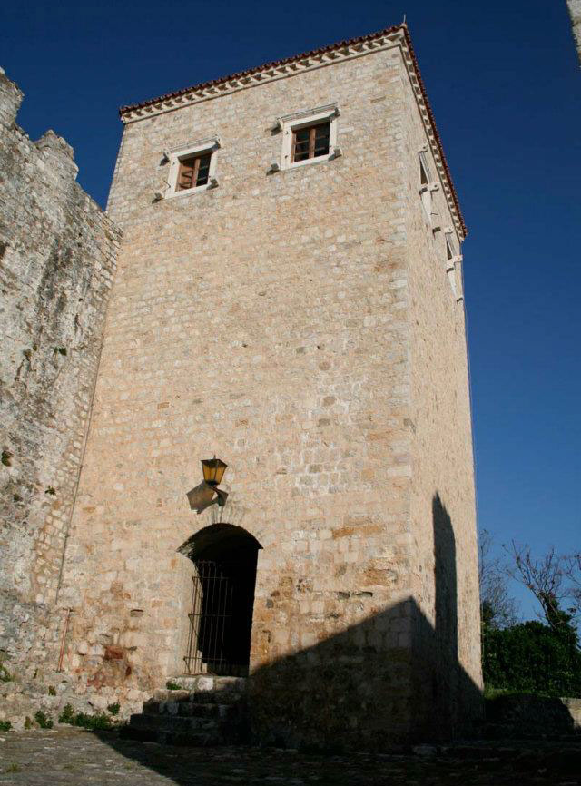 Башня Балшича - архитектурная доминанта старого квартала